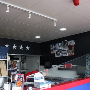 Sign on Time | Four Star Pizza Bray | interior graphics