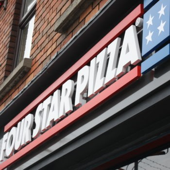 Sign on Time | Four Star Pizza Bray | shop front signage